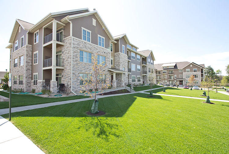 Stone Creek Gardens Allows You To Relax And Enjoy A Peaceful, Country Like  Setting In Conveniently Located West Side Madison Apartments.
