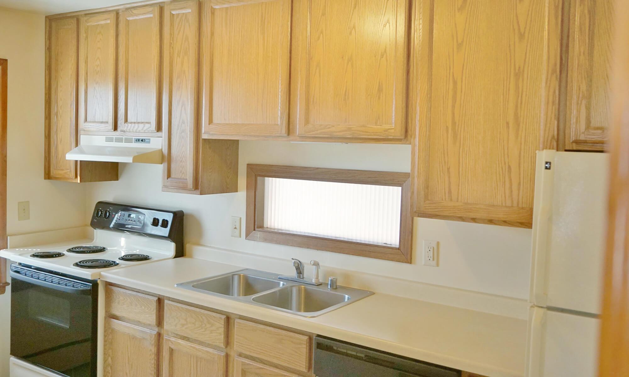 2B 1B TH Kitchen 3 (2)