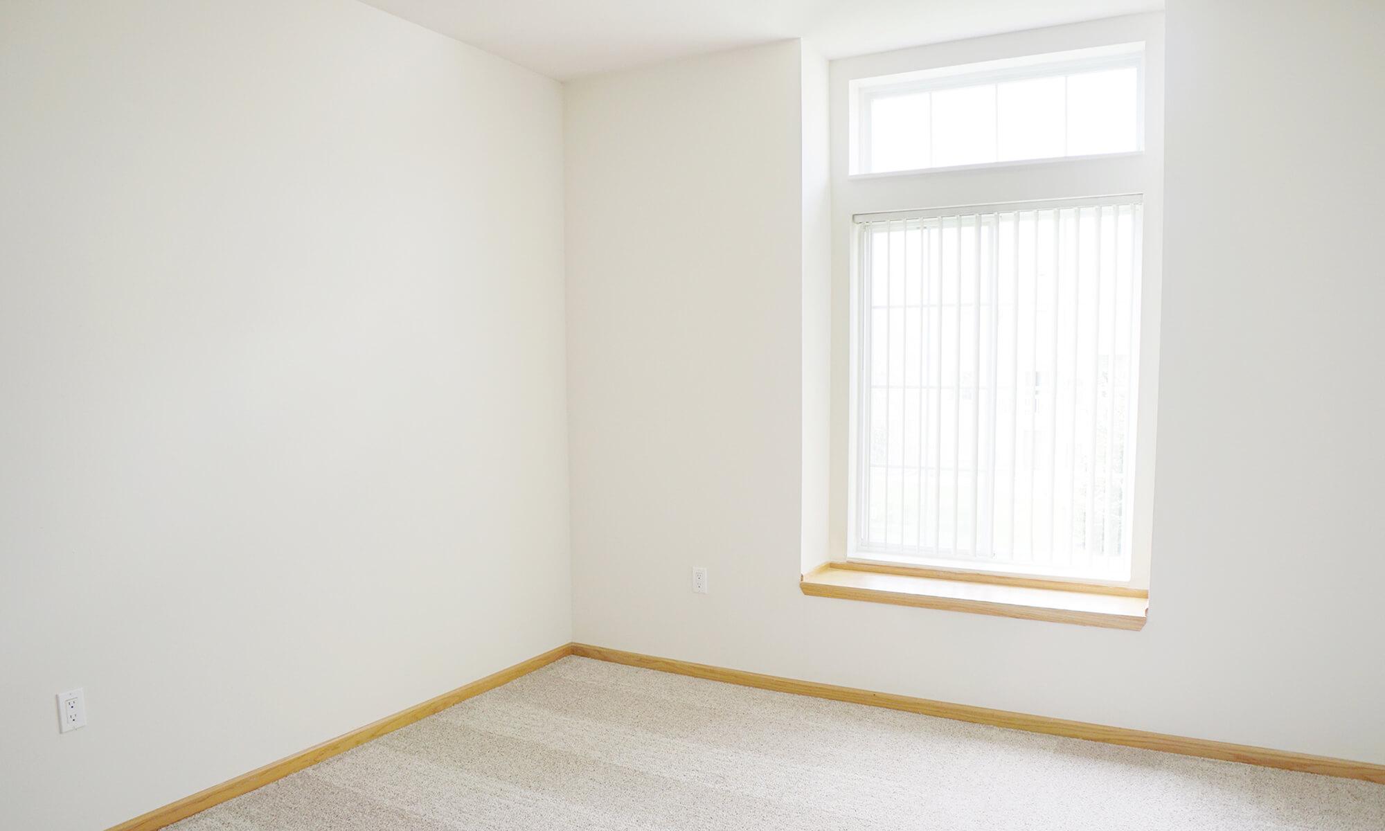 Guest Room (2)